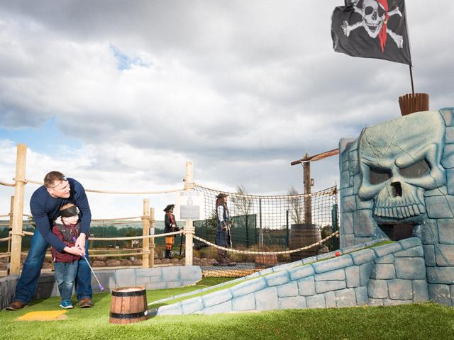 http://www.piratesislandadventuregolf.co.uk/wp-content/uploads/2014/03/2.jpg